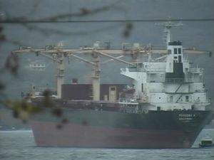 Силният вятър за малко да потопи кораб в пристанище Варна