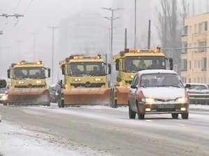Снегът затормози движението в София