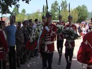 Стотици се поклониха на българското военно гробище в Ново село (разш.)