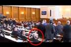 Велизар Енчев гласува против признаването на масовото изтребление на арменци