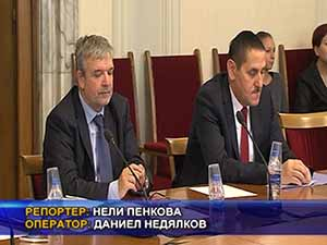 Правната комисия изслуша кандидатите за конституционен съдия