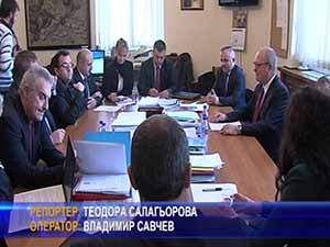 Патриотите поставиха критиките си пред министъра на образованието Tодор Tанев