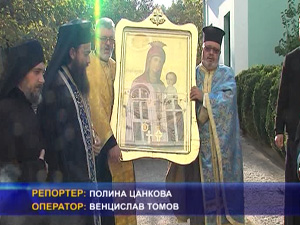 За първи път вярващи се поклониха пред иконата на пресвета Богородица Скоропоспушница