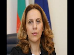 Вицепремиерът от НФСБ Марияна Николова заминава на държавно посещение в Унгария