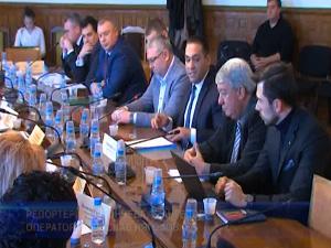 Промените в закона за горивата влизат за гласуване във водещата парламентарна комисия
