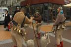Кукери от Радомир създадоха празнична атмосфера в столицата